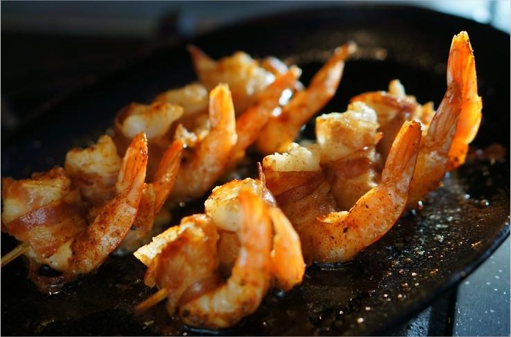 Cuisiner la plancha gambas la ventr che et pommes de for Cuisine 0 la plancha